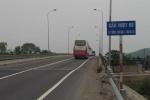 Tin mới nhất vụ cầu vượt đường sắt 120 tỷ đồng xuất hiện nhiều vết nứt