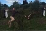 Clip: Thợ chụp ảnh lăn lộn, 'diễn sâu' khiến cô dâu chú rể cười bể bụng