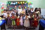 Con gái Tổng thống Ý phát thuốc miễn phí cho trẻ em đường phố