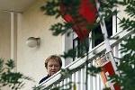 Sứ quán Nga bị bom thư, sứ quán Thụy Sỹ bị ném thuốc nổ