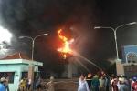 Hơn 300 lính cứu hỏa kiệt sức dập đám cháy lớn suốt 5h ở công ty nệm Vạn Thành