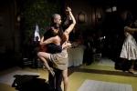Tổng thống Mỹ Obama nhảy Tango với vũ công nóng bỏng Argentina