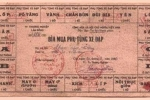 Ngỡ ngàng giấy đăng ký xe đạp và tem mua xăng thời bao cấp