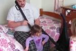 Clip: Cười vỡ bụng clip bố buộc tóc cho con gái