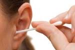 Thói quen ngoáy tai: Nguy hiểm khôn lường