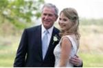 Cựu tổng thống George W. Bush nhận danh hiệu 'Người cha của năm'