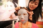 Đắp mặt nạ dưỡng da, một phụ nữ tử vong?