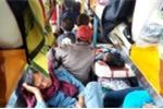 Nghẹt thở những 'chuyến xe nhồi nhét' từ Lào về Việt Nam