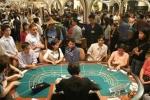 Hàng trăm quý bà Việt rủ nhau sang Campuchia đánh bạc mỗi ngày