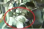 Video: Hành khách giúp sản phụ 'vượt cạn' trên xe buýt