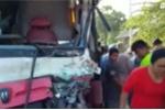 Clip: Xe bus đâm xe chở công nhân, 25 người chết