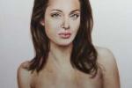 Rao bán bức ảnh Angelina ngực trần sau phẫu thuật