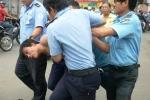 Cướp giật điện thoại Iphone táo tợn giữa phố Sài Gòn