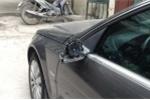 'Đạo chích' trộm gương xe Mercedes ngày mùng 1 Tết