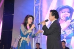 Chế Linh nồng nàn tình tứ bên Sơn Tuyền trên sân khấu