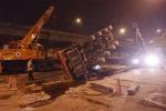 Hà Nội: Cần cẩu 'khổng lồ' đổ sập giữa đêm