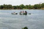 Lật thuyền trên sông, bé 3 tuổi chết thương tâm