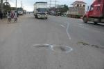 Bị 2 ô tô cán chết trên đường về quê ăn Tết