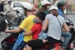 Cửa ngõ vào Hà Nội ken cứng người và xe, giao thông ùn ứ hàng km