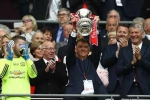 MU vô địch FA Cup: Sa thải Van Gaal, bổ nhiệm Mourinho?