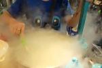 Giới trẻ Sài Gòn phát sốt với trào lưu ăn 'snack khói, kem mây'
