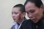 Mẹ khóc ròng vì thiếu nữ bị xăm rết lên ngực, mặt