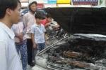 Cần Thơ: Xe ô tô bốc cháy, 5 người thoát chết
