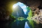 Vẻ đẹp khó cưỡng của hang động kỳ ảo hàng đầu thế giới ở Việt Nam