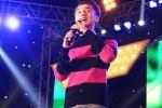 Hàng nghìn sinh viên chen lấn, xô đẩy xem Sơn Tùng M-TP biểu diễn