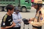 Ngày đầu xử phạt mũ bảo hiểm rởm: Dân 'tá hỏa' không nắm được luật