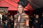 Loạt sao diện váy phản cảm gây sốc ở Grammy 2016