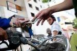Dân bị móc túi 400 tỷ đồng/tháng tiền xăng dầu