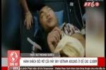 Clip: Hành khách cố mở cửa máy bay Vietnam Airlines ở độ cao 12.000 mét