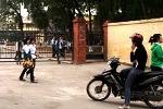 S.O.S: Clip 30 HS cổ vũ nữ sinh đánh nhau dã man