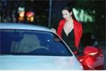 Khánh My ăn mặc bốc lửa lái siêu xe 12 tỷ