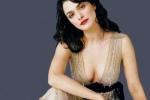 Khám phá người phụ nữ 'trói chân' điệp viên 007