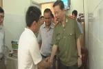 Nổ mìn tự sát ở Đắk Lắk: Bộ trưởng Công an đến thăm Phó giám đốc Công an tỉnh bị thương