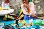 Hà Giang: Thuốc giả bày bán như rau ở chợ Mèo Vạc