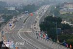 Cận cảnh thông xe cầu vượt thép 'khủng' ở thủ đô