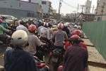Sài Gòn 'đóng cầu sửa đường, ùn tắc nhiều giờ đồng hồ