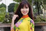 Hot girl Hà Thành khoe dáng chuẩn trong tà áo dài đón Xuân