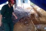 Phát hiện hầm vũ khí lớn trong lúc đào mương thoát nước