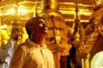 Tuyển Việt Nam vào chùa cầu an trước chung kết Tứ hùng Myanmar