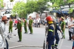 8 người cố thủ trong nhà doạ đốt xăng tự thiêu