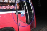 Bị nhắc nhở vì tè bậy trên xe, hành khách vác hung khí đánh tài xế
