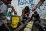 Đóng cửa các cơ quan chính phủ, Venezuela tiếp tục sa lầy sâu hơn trong khủng hoảng