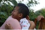 Video: Bé 8 tuổi nhường sự sống cho em trai khiến dân mạng rơi lệ