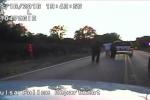 Video sốc: Cảnh sát Mỹ bắn chết người da màu 'tay không tấc sắt'