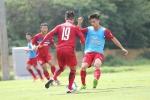 Cú ngã sấp mặt của Công Phượng trước đàn em U20 Việt Nam
