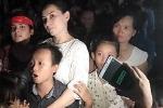 Clip: Hồ Văn Cường hạnh phúc hát trong sự chào đón của hàng trăm người dân Tiền Giang